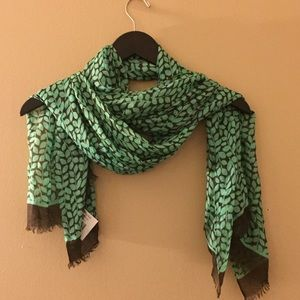 🌹Vera Bradley Shower Vines Soft Fringe Scarf